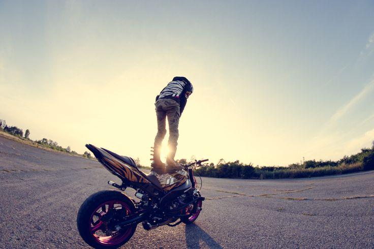 Here comes the sun! #icon #shaguar #ewastunts #zx6r #alliancegt #iconhelmet #stuntbike #canon #tamron #stunt #motogirl #iconmotosports #iconshaguar #icon1000 #twowheels #motorcycles #femalerider #iconmercjacket #stuntgirl #kawasaki #ninja636 #maguramastercylinder #helbrakelines #samcohoses #knfilters #k&n #ebcbrakes #racebikebitz #lostgiant #stuntlife #helmet #motogear