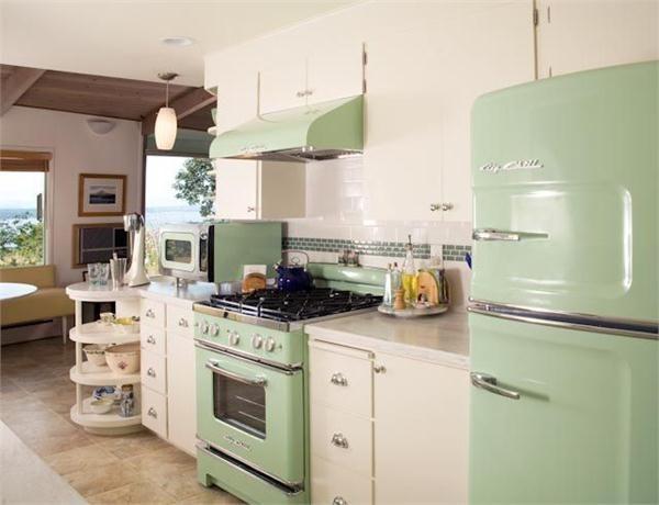 17 best ideas about modern retro kitchen on pinterest for Modern retro kitchen appliance