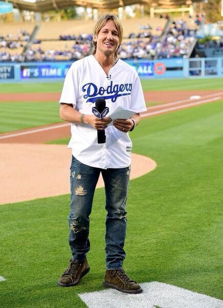 Keith does a free show in Nashville today and then calls a LA Dodgers game tonight ! Amazing!!