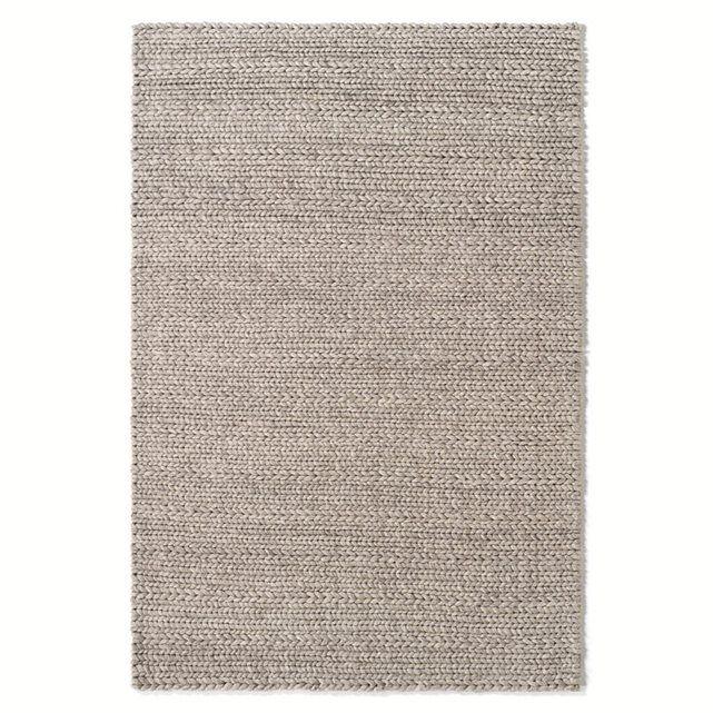 """Le tapis effet maille tricot, Diano. Ce tapis en pure laine sait se faire doux sous vos pieds ! On aime ce tapis pour le côté """"brut"""" et """"nature"""" de son effet maille tricotée.Caractéristiques du tapis en pure laine, effet maille tricot Diano :Très belle qualité : pure laine 3400g/m².Retrouvez la descente de lit Diano assortie sur laredoute.frDimensions du tapis en pure laine, effet maille tricot Diano :Taille 1Largeur : 120 cmLongueur : 170 cmTaille 2Largeur : 160 cmLongueur : 230 cmConse..."""