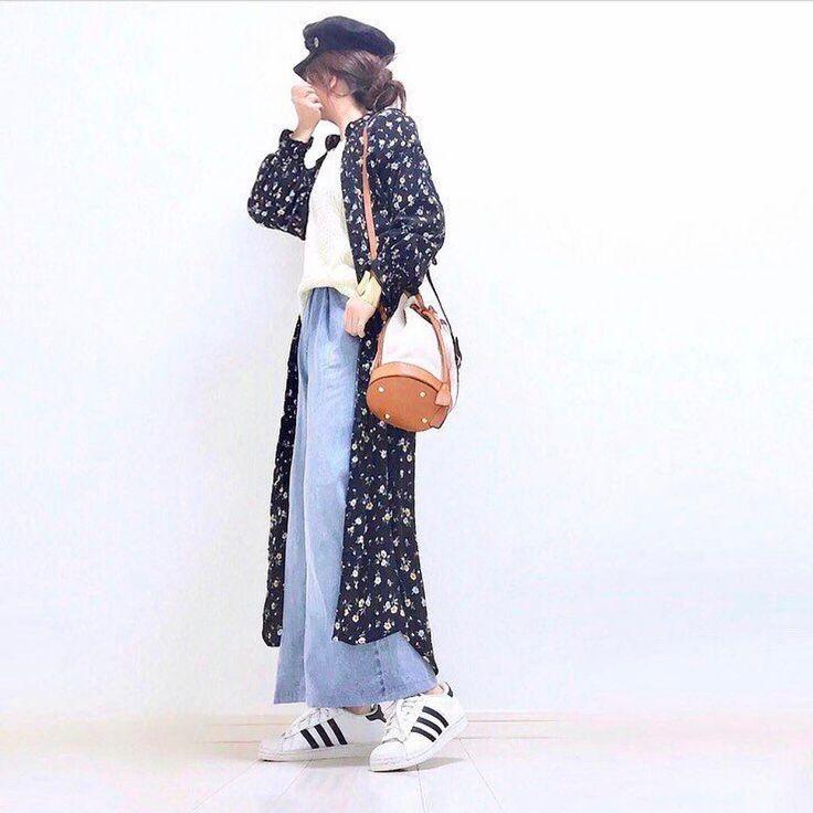 . 花柄のワンピースをロングカーディガンとして着たおしゃれコーディネート ワンピースとしてもカーディガンとしても使える花柄のマキシ丈ワンピースはマストハブアイテム Photo by @lujo0525 Top... #fifth Bottom... #gu Bag... #coca Shoes... #adidas Dress... #しまむら MINE公式アプリではファッションを中心とした動画を毎日更新中 プロフィールリンクからDLできます ハッシュタグ#mineby3mootdを付けたコーディネートを募集中紹介させていただくことも #mineby3mootd #MINEBY3M #ootd #outfit #fashion #coordinate #instafashion #beaustagrammer #fashionista #outfit #igfashion #カジュアルコーデ #コーディネート探検隊 #春コーデ #お洒落さんと繋がりたい