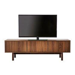 IKEA - STOCKHOLM, Tv-bänk, valnötsfaner, , Tv-bänk i valnötsfaner och ben av massiv ask ger en varm, naturlig känsla i ditt rum.Den tydliga ådringen i valnötsfaneret ger varje möbel ett unikt utseende.Valnöt är ett naturligt slittåligt material. Ytan har förstärkts med en skyddande lack som gör möbeln extra hållbar.Tv-bänken är förberedd så att du enkelt ska kunna gömma undan alla sladdar. Sladduttag i bänken gör det enkelt att dra sladdar mellan hyllplanen och ut från bänken.Du kan enkelt…