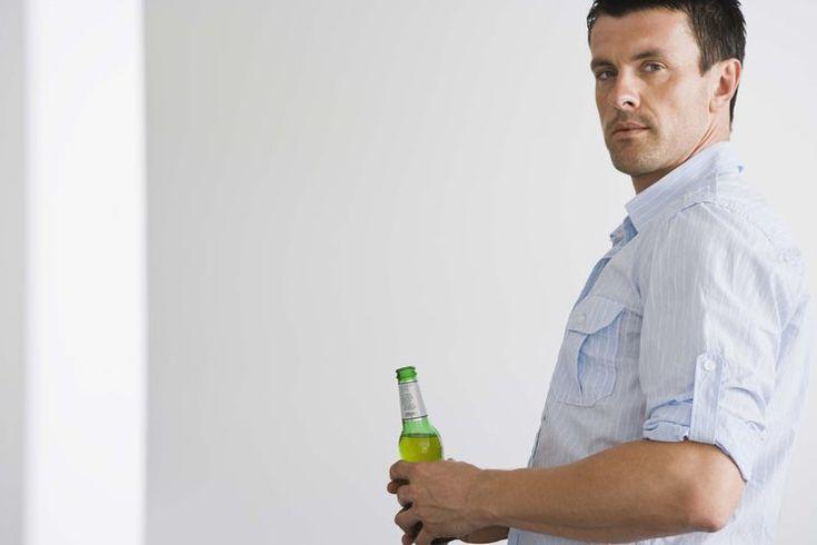 ¿La cerveza eleva el colesterol?. Cuando tengas un examen de colesterol de la sangre, los resultados revelan información sobre tres tipos de lípidos en las arterias: colesterol de lipoproteína de baja densidad, también conocido como LDL (por sus siglas en inglés) o colesterol