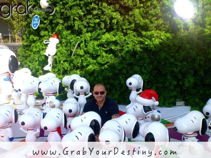 Hanging With Snoopy In Chiang Mai, Thailand… #Travel #GrabYourDestiny #HangingWithSnoopy #JasonAndMichelleRanaldi #DigitalNomads #ChiangMai #Thailand   www.GrabYourDestiny.com