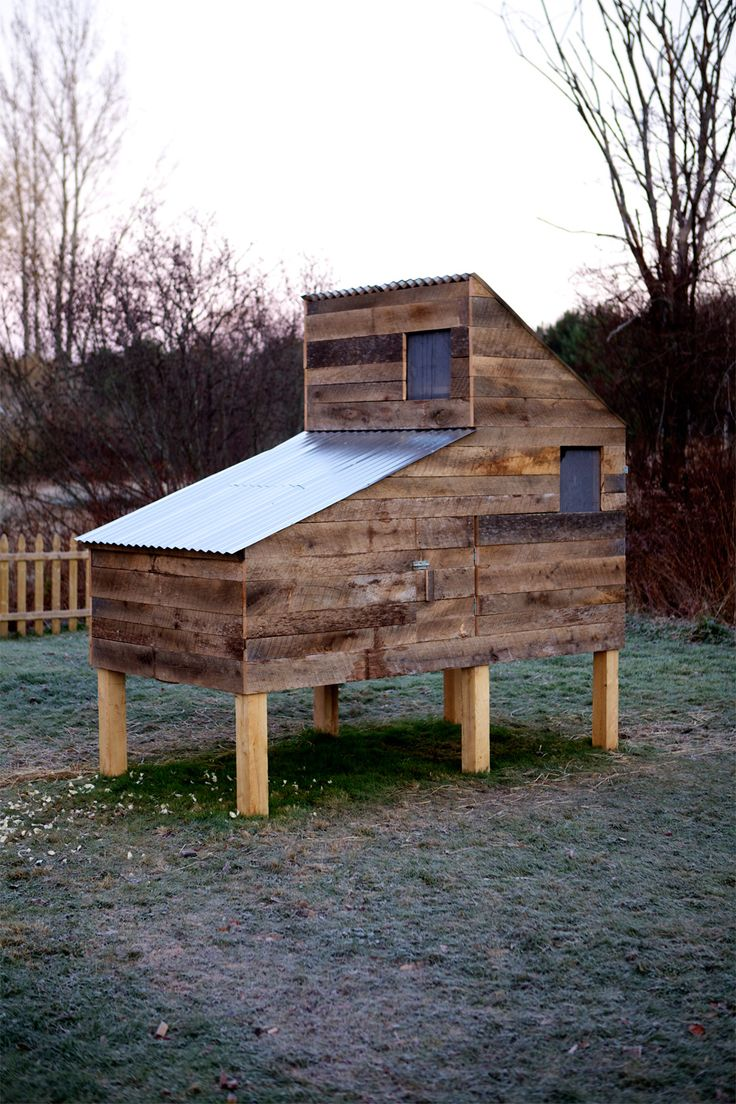 118 best images about cockadoodle coops on pinterest for Modern chicken coop