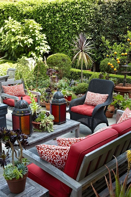 ideias originais jardim : ideias originais jardim:Red Outdoor Patio Decor
