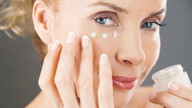 Ako zbaviť pokožku vrások? Vyrobte si domáci botox! Tento zázračný koktejl omladí vašu pleť!