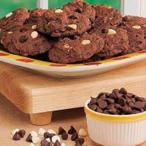 Sour Cream Chocolate Cookies: Cream Cookies, Sour Cream, Chocolates Chips, Chips Cookies, Chocolates Cookies, Chocolates Dreams, Chocolate Cookies, Cookies Recipes, Cream Chocolates