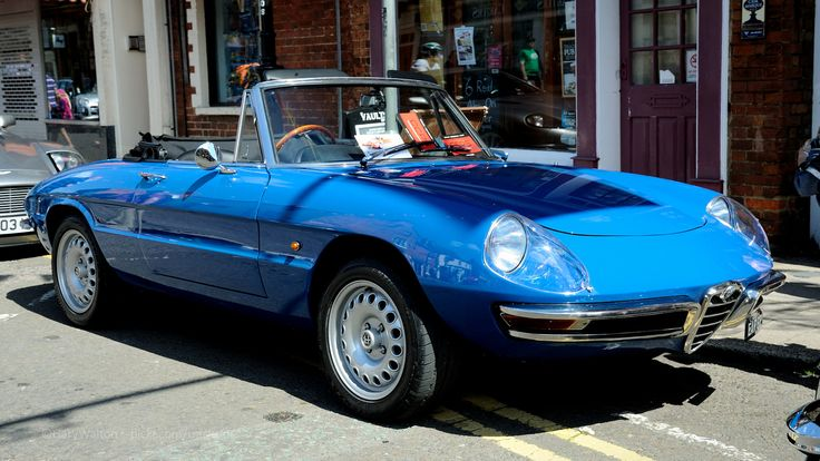 https://flic.kr/p/tpKcwb | Stony Stratford Classic Car Festival 2015 - Alfa Romeo Spider