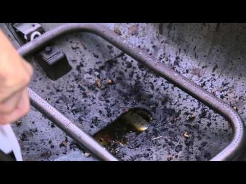 Easy Maintenance for your Weber® Q™ - YouTube