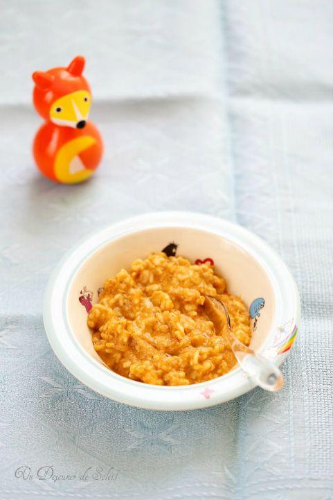 Un dejeuner de soleil: Purée de tomates, courgettes et poisson avec des p...
