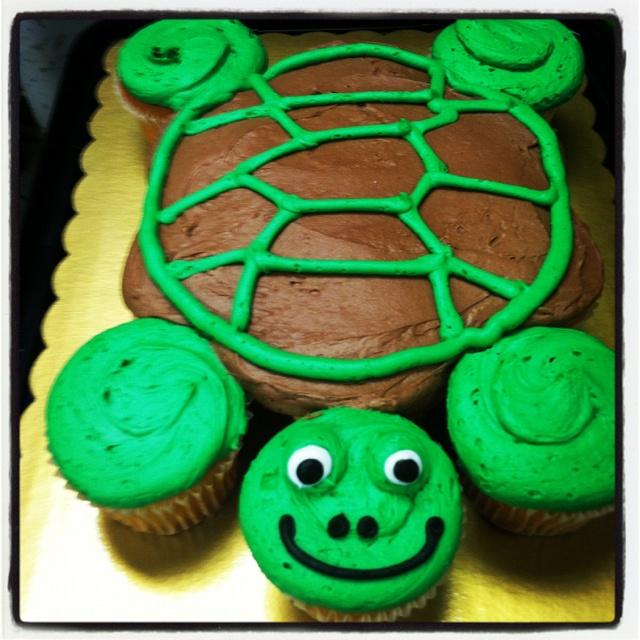 Turtle cupcake cake | Cakes to make | Pinterest | Cupcake ...