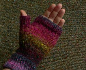 Noro Fingerless Mitts - free pattern Knitting - gloves ...
