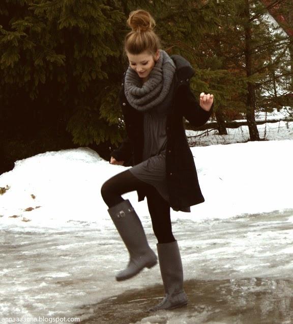 gray tunic, black peacoat, black leggings, gray rain boots, gray chunky infinity scarf. preppy, casual, basic, rainy day, school, winter outfit.