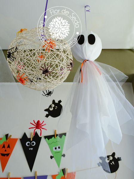 Festa Infantil Halloween - Detalhes do salão decorado com fantasmas