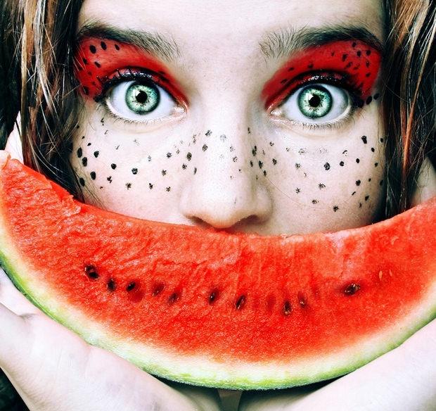 Make up art Waterlmeon
