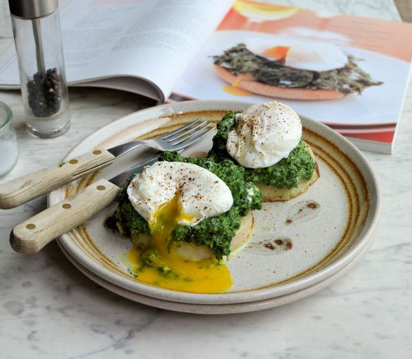 5:2 Diet & Weight Watchers Breakfast, Brunch or Lunch: Spinach and Poached Egg Muffins Recipe :http://www.lavenderandlovage.com/2013/07/52-diet-weight-watchers-breakfast-brunch-or-lunch-spinach-and-poached-egg-muffins-recipe.html
