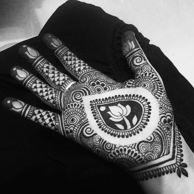 Hennaed myself with a little inspiration from @joyofhenna, now off to