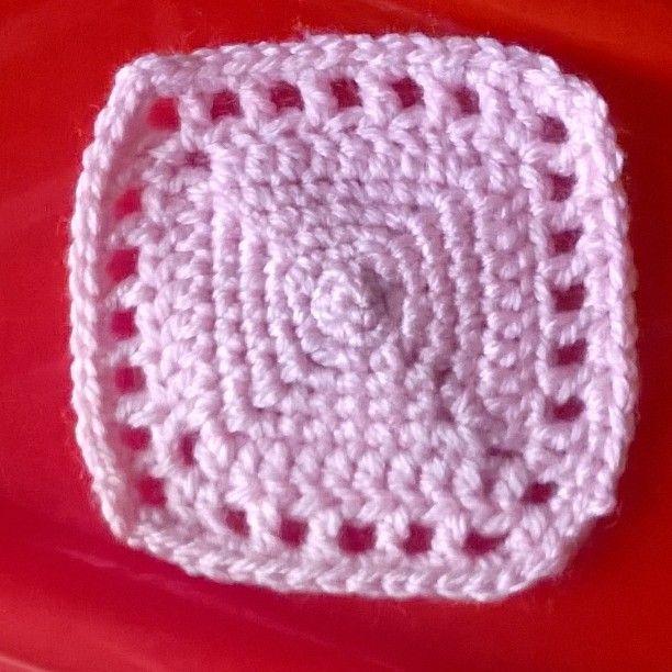Un semplice #sottobicchiere per le #bibitefredde #estate #uncinetto #creazioni #crochet