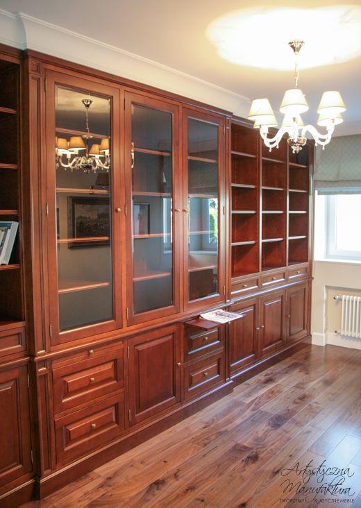 gabinet z biblioteką drewno olchowe, traditional bookcase design, home office, home library   - wykonanie Artystyczna Manufaktura