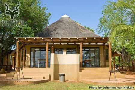 KNP - Lower Sabie - chalets on the perimeter
