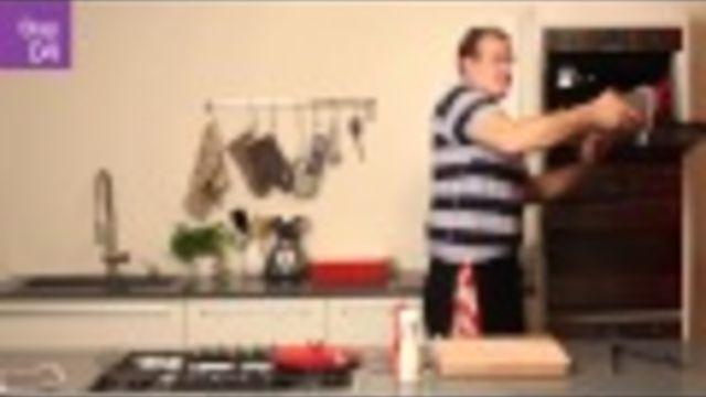 En ook rollade gebraden in de oven, is een makkelijk recept voor een oveNheerlijk en feestelijk (paas)diner!