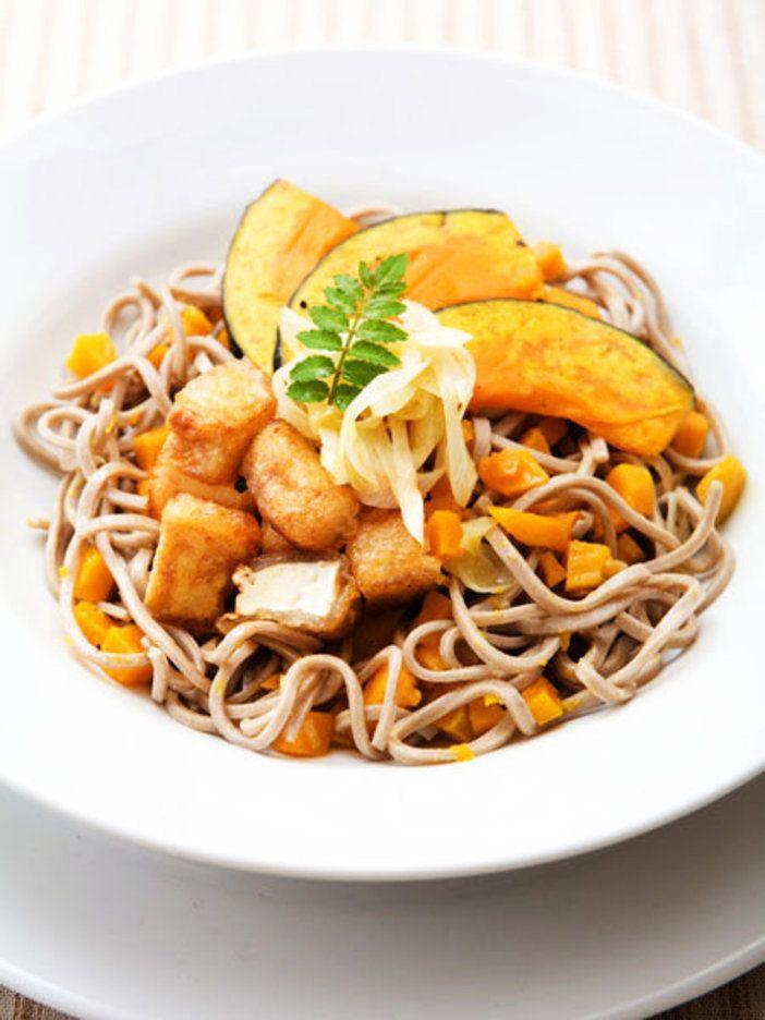 【ELLE a table】かぼちゃと豆腐のそばサラダレシピ|エル・オンライン