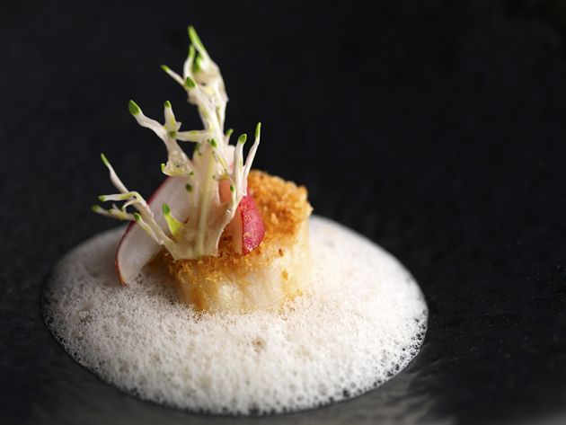 4xFOUR Michelin-starred Chef Claude Bosi - Scallops Morteau Sausage Sauce Pickled Cabbage Radish Hazelnut Crust - Review by Gourmet Adventures