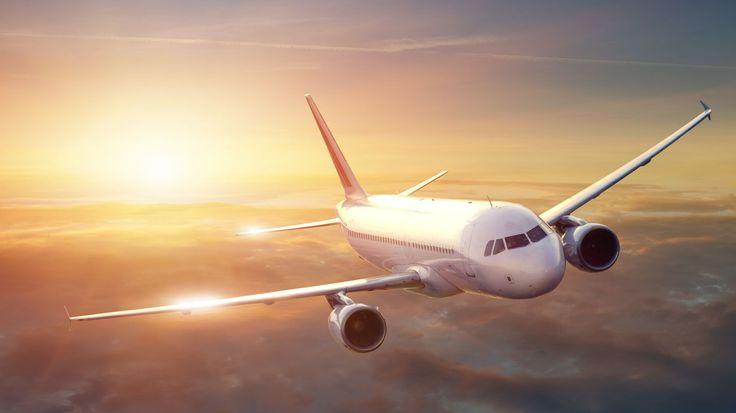 Comment acheter un billet d'avion pas cher sur internet ? Voici les meilleurs bons plans pour trouver un billet pas cher pour partir en week-end, vacance ou en voyage d'affaire. Comparateur de prix, les ventes privées, les offres de dernières minutes, prendre l'avion chez une compagnie aérienne low cost voici les bons plans pour voyager