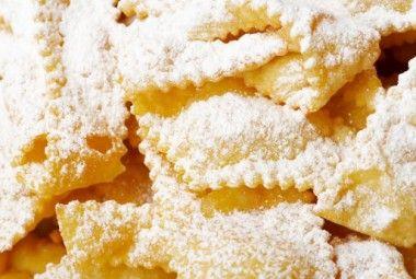 Dolci di Carnevale non fritti: le chiacchiere light cotte la forno!