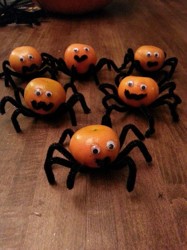 DIY Halloween snack.  spider craft. Clementine oranges, pipe cleaners, googly eyes+hot glue gun = heathy cute Halloween classroom treat. http://www.flickr.com/photos/64150638@N05/