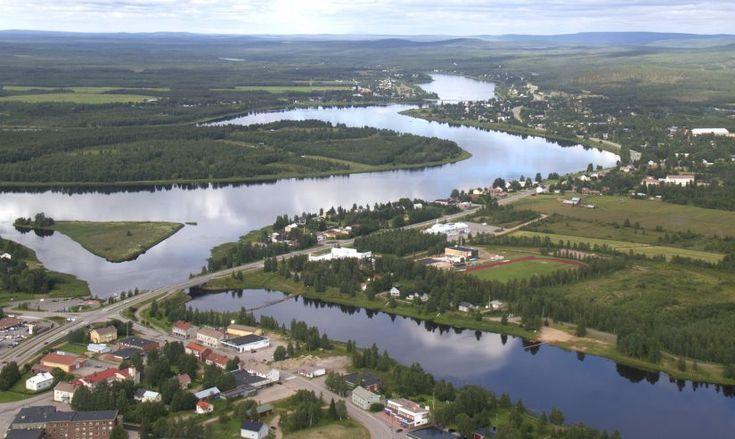 Tornionjoki ja Pellon keskusta Lapissa ilmasta kuvattuna