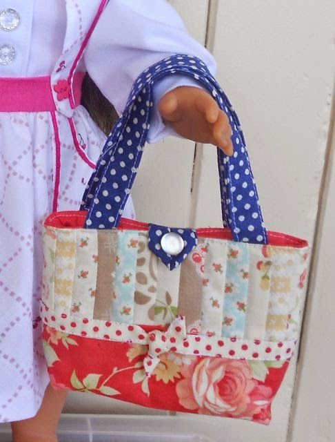 "Doll Clothes Patterns by Valspierssews: Make a cute patchwork tote for your 18"" doll"