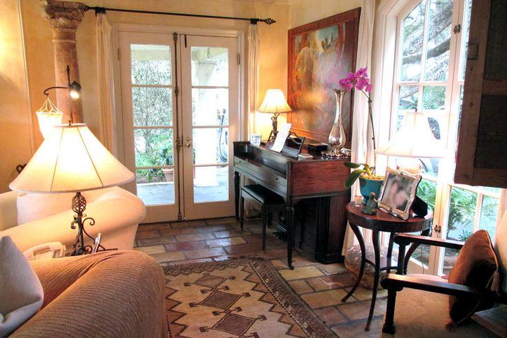 Tour Lisa Rinna's Home (and Closet!)
