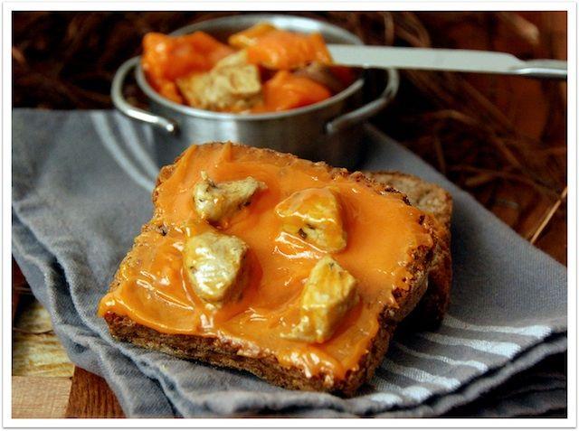 Lomo en manteca (o de los Montes de Málaga) | Cuando volvimos a la casa rural, teníamos preparadas unas deliciosas tostas con lomo en manteca.