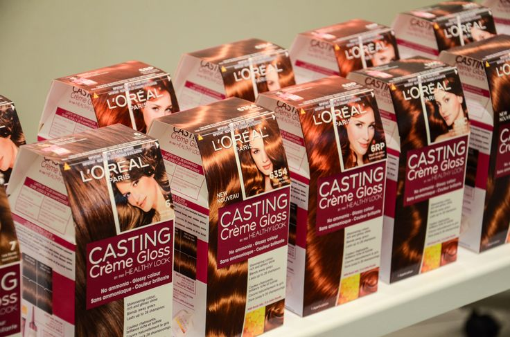 Change up your colour once every 28 shampoos thanks to the semi-permanent formula of Casting Crème Gloss.