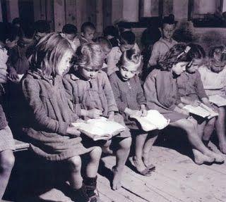 Μικρός Ναυτίλος: Νικηφόρος Βρεττάκος, Τα δεκατέσσερα παιδιά