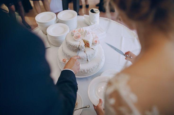 Tips Menyimpan Kue Pengantin Hingga Satu Tahun Ulang Tahun Pernikahan