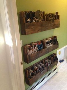 Use pallets to make wall mounted shoe racks                                                                                                                                                                                 More