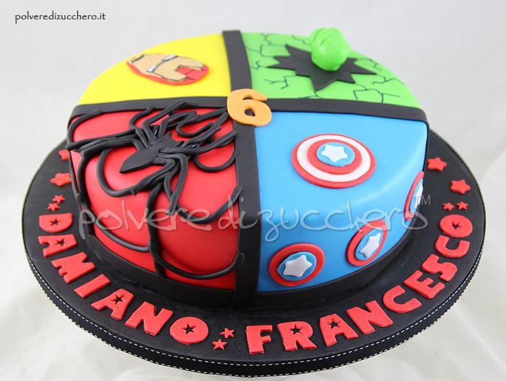 Torta dei Super Eroi in pasta di zucchero: Hulk, Iron Man, Spider man, Capitan America