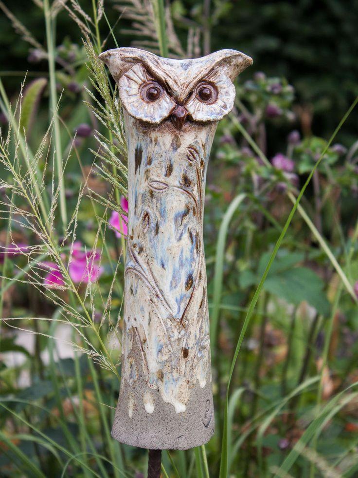 Keramik Eule Garten-Beobachter - Gartenkeramik Atelier Silvia Parzer Mehr