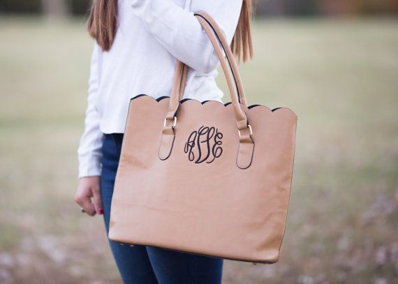 Hey, I found this really awesome Etsy listing at https://www.etsy.com/listing/255890122/monogram-scallop-tote-bag