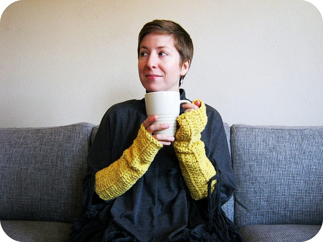 organic cotton arm warmers by rachel hunnicutt at ravelry.com  http://www.ravelry.com/patterns/library/organic-cotton-arm-warmers