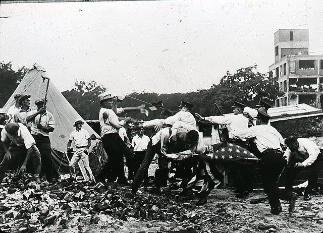 Bonus Army Clash - Washington police attempting to remove Bonus Army marchers from Federal property, July 28, 1932