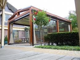 Wij leveren zowel aluminium als houten terrasoverkappingen.Breng een bezoek aan onze informatieve showroom waar veel modellen voor u staan opgesteld. De koffie staat klaar!! U bent van harte welkom!