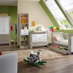 Suche Kleiderschrank Kinderzimmer Eiche Saegerau Leonora. Ansichten 23727.