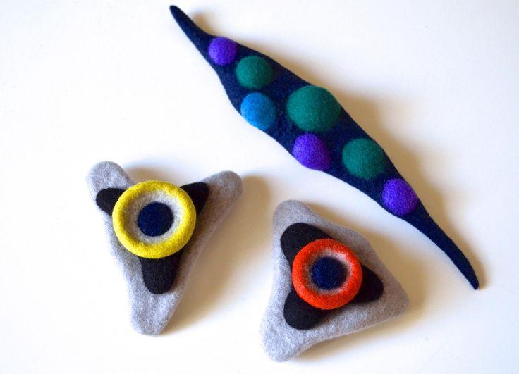 Sea Anemone brooches by Atsuko Sasaki