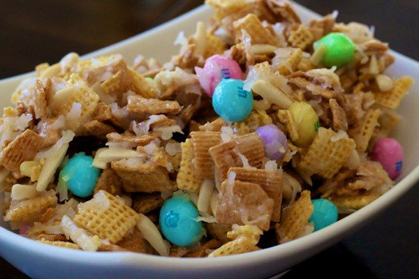 "My FAVORITE coconut Chex mix, but with an ""Easter twist!"""