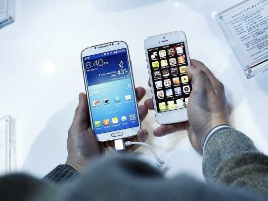 10 Things the Samsung Galaxy S4 Can Do That the iPhone Can't