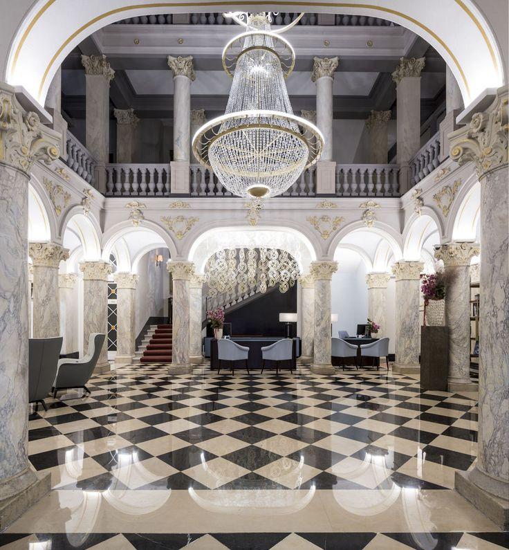 Hotel De La Paix, A Ritz-Carlton Partner Hotel, Geneva, Interior Entrance